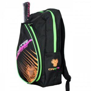 De Cartri Tariss Backpack is een kleine rugzak om net genoeg mee te nemen naar de padelbaan. Dit nieuw Carti model dat zich perfect aan uw rug aanpast met verstelbare handvatten waardoor u het met totaal comfort kunt dragen. Afmetingen: 12 x 27 x 45 cm.
